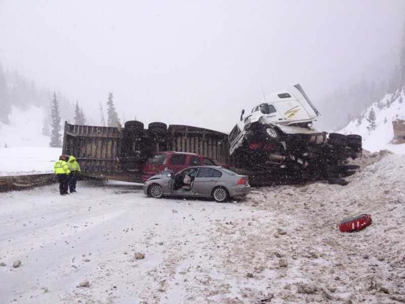 EB I-70 Closed at Lookout Mountain due to Reported 20 Car