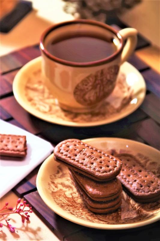 biscuits-breakfast-ceramic-2171643web.jpg